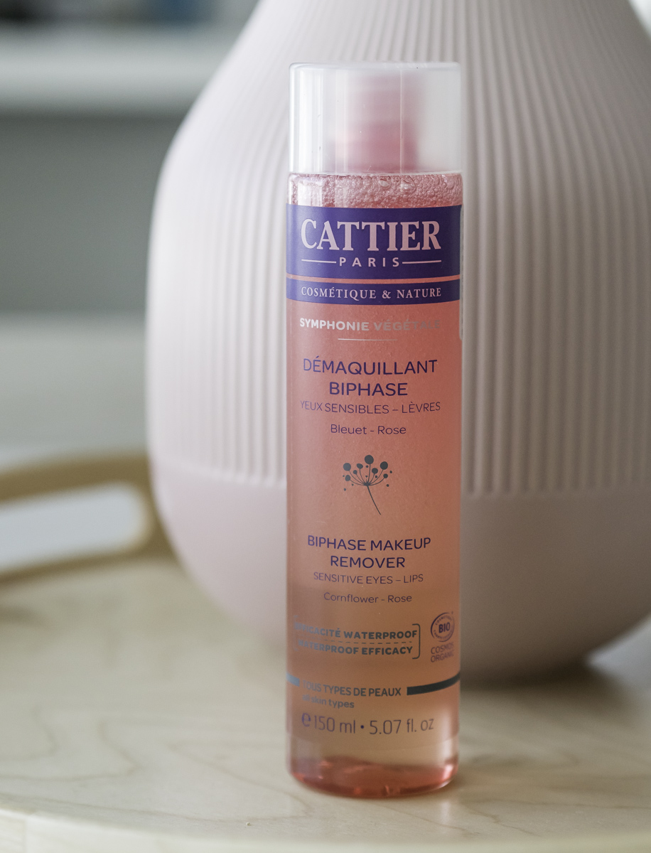 parhaat kosmetiikkatuotteet: Cattier silmämeikinpuhdistusaine