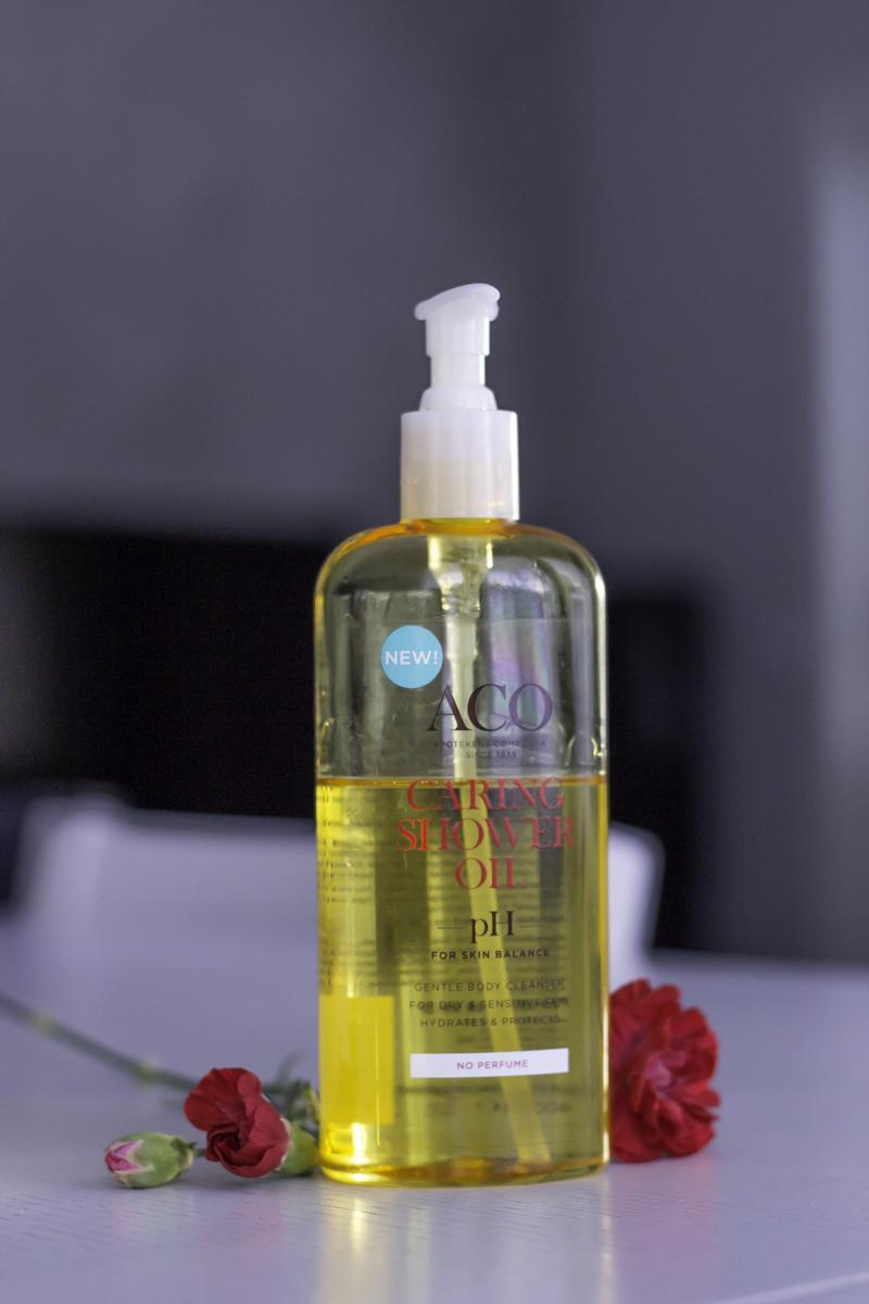 Kuiva iho: ACO Caring Shower Oil